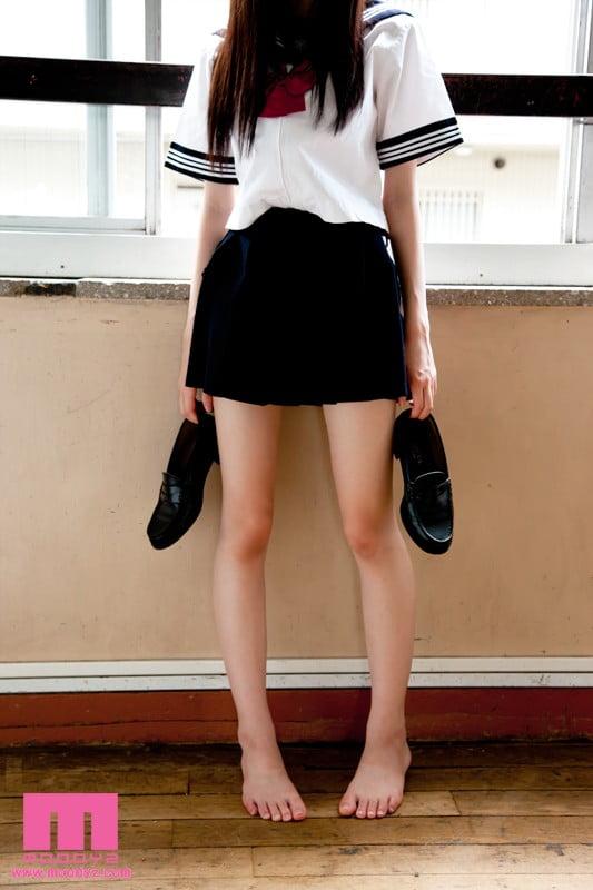 究極の女子校生制服チラリズム
