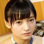 西永彩奈が女子校生の制服を脱いでいく動画