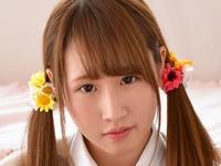 斉藤愛の白ハイソックスな女子校生制服画像
