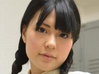 幸田ユマの白ハイソックスな女子校生制服画像