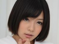 麻里梨夏(成海うるみ)の白ハイソなJK制服画像