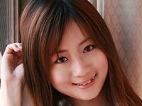 美波映里香の紺色ハイソックスなセーラー服画像