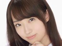 小島麻友美が四つん這いで制服パンチラな動画