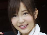 石原佑里子の紺色ハイソやニーハイのJK制服画像