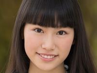 葉月彩菜の白ハイソックスな女子校生制服画像