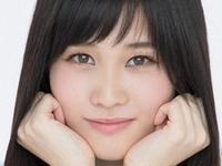 橘花凛がパンチラしている女子校生制服画像