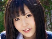 久宥茜の色白美脚なJKプリスカ制服画像
