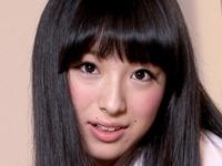 大島珠奈の素足な女子校生制服コスプレ画像