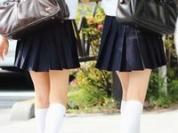 白ハイソックスな街撮り制服女子校生画像その3