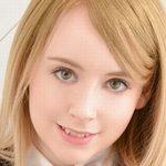 ブロンドの天使ジェマの女子校生制服動画