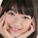 ジュニアアイドル沢村りさの制服コスプレ画像