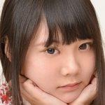 玉響桃乃のピチピチ美脚なJK制服コスプレ画像