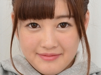 辻倉あかりの白ハイソックスパンチラなJK制服画像