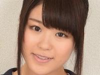 武藤つぐみの色白美脚な女子校生制服画像