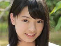 長澤遥香の紺色ハイソックスな女子校生制服画像