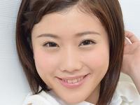 千明芸夢の紺色ハイソックスな女子校生制服画像