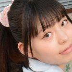 鳴海千秋のポロシャツに白ハイソなJK制服画像
