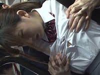 満員バスで背後から乳揉み痴漢される巨乳JK