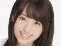 小島麻友美の白ハイソックスな女子校生制服画像