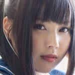 彩城ゆりなの白ハイソックスな女子校生制服画像