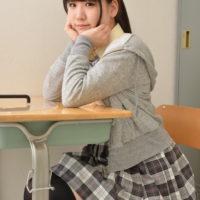 七菜原ココのニーハイな女子校生制服画像