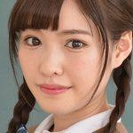 橋本ありなの黒パンストな女子校生制服画像