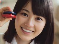 生田絵梨花のブレザーな女子校生制服画像