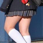 白ハイソックスな街撮り制服女子校生画像