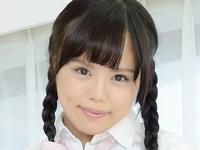 宝田もえのの三つ編みおさげな女子校生制服画像