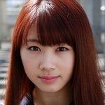石田亜佑美の紺色ハイソックスなセーラー服画像