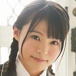 星名美津紀が女子校生の制服を脱いでいく画像