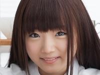 和泉ひよりの紺色ハイソックスな女子校生制服画像