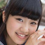 香月杏珠の白ハイソと紺色ハイソな制服画像