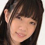 斉藤みゆの白ハイソックスなセーラー服画像