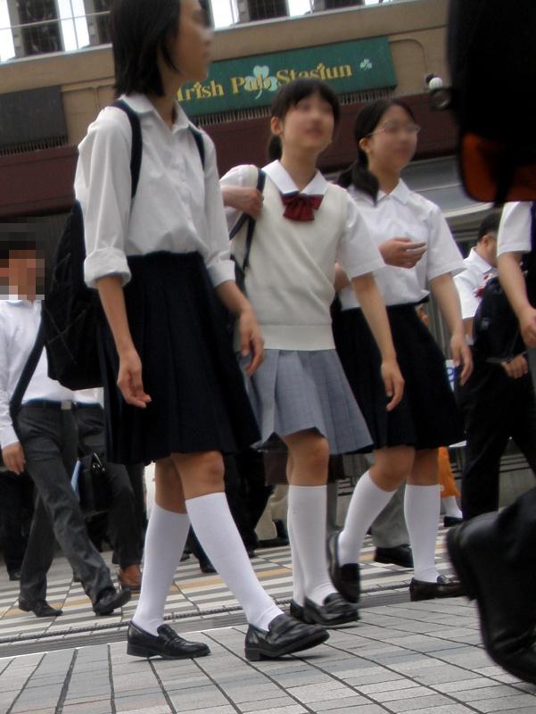 白ハイソックス女子校生の街撮り
