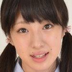 大島珠奈のおさげに紺色ハイソな女子校生制服画像