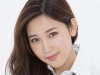 小島みゆのプリスカと紺色ハイソなJK制服画像