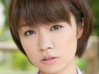 菜乃花の白ハイソックスな女子校生制服画像