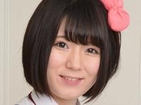 篠崎みおの合法ロリな女子校生制服コスプレ画像
