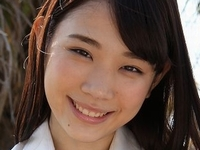 末永みゆの紺色ハイソックスな女子校生制服画像