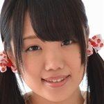夏乃ひまわりの色白美脚な女子校生制服画像