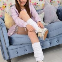 高橋りかのピチピチ下半身な女子校生制服画像
