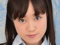 鈴ノ木桜の白ムチ太ももな女子校生制服画像