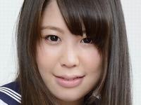 加藤シーナの紺色ハイソなセーラー服画像