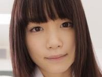 佐々木絵里の透明感溢れる女子校生制服動画