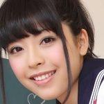 佐藤さくらの紺色ハイソックスなセーラー服画像