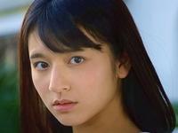 徳江かなが女子校生の制服を脱ぎながら挑発