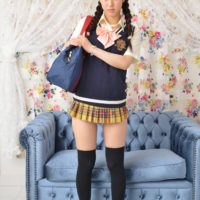 石原ルリカの女子校生制服コスプレ画像