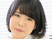 美咲ヒカルのムッチリ太ももな女子校生制服画像