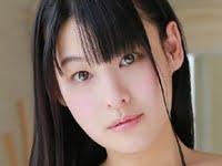 合田柚奈がJK制服を脱いでワイシャツから生乳